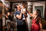 Sébastien Bischof et sa famille. Moudon, le 28 aout 2020. Photos © Guillaume Perret / Lundi13