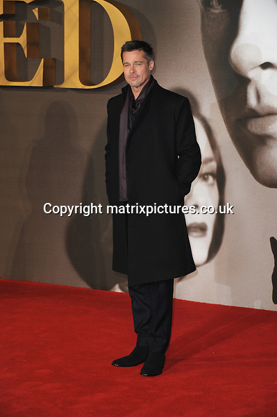 NON EXCLUSIVE ALL ROUND PICTURE: MATRIXPICTURES.CO.UK<br /> PLEASE CREDIT ALL USES<br /> <br /> WORLD RIGHTS<br /> <br /> Brad Pitt attends the UK premiere of Allied at Leicester Square in London.  <br /> <br /> NOVEMBER 21st 2016<br /> <br /> REF: TST 163616