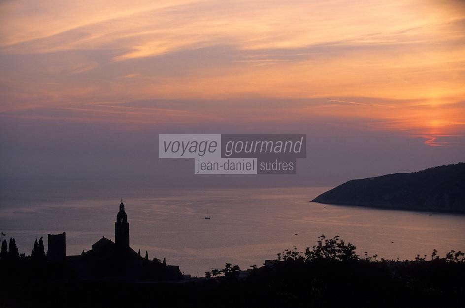 Europe/Croatie/Dalmatie/ Ile de Vis/ Komiza: Eglise Saint-Nicolas