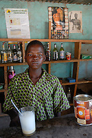 "Afrika Burkina Faso Bar in einem Dorf - Alkohol Neste Nescafe xagndaz | .Western Africa Burkina Faso , boy sell Nescafe and liquor in country bar in village .| [ copyright (c) Joerg Boethling / agenda , Veroeffentlichung nur gegen Honorar und Belegexemplar an / publication only with royalties and copy to:  agenda PG   Rothestr. 66   Germany D-22765 Hamburg   ph. ++49 40 391 907 14   e-mail: boethling@agenda-fototext.de   www.agenda-fototext.de   Bank: Hamburger Sparkasse  BLZ 200 505 50  Kto. 1281 120 178   IBAN: DE96 2005 0550 1281 1201 78   BIC: ""HASPDEHH"" ,  WEITERE MOTIVE ZU DIESEM THEMA SIND VORHANDEN!! MORE PICTURES ON THIS SUBJECT AVAILABLE!!  ] [#0,26,121#]"