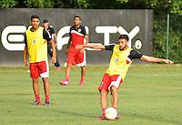 SÃO PAULO, SP, 29.04.2015 - TREINO - SÃO PAULO FC - Boschilia do São Paulo durante treino da equipe no Centro de Treinamento da Barra Funda região oeste de São Paulo, nesta quarta-feira, 29. (Foto: Bruno Ulivieri / Brazil Photo Press).