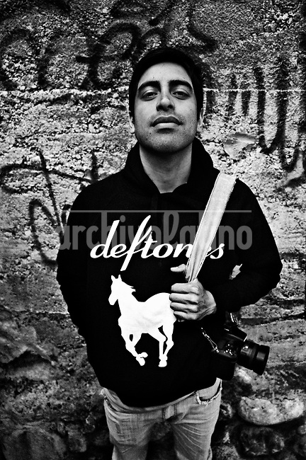 Carlos H&eacute;ctor S&aacute;nchez Navas.They are all between their  20&rsquo;s and 30&rsquo;s. They like to call themselves Kamikazes, and they are the new generation of street photo journalists of Bolivia. In a country where photographers are extremely poorly paid, no one can image that this army of young guys and girls are always ready to risk their lives running behind they care most: a good picture telling a news.<br /> Thought the new eyes of this young generation, our photographer and friend in La Paz, French born Cristian Lombardi shows the impacting reality of this South American mostly indigenous nation. In a patient work, Lombardi edited thousands of frames to show as a glimpse of what these new young eyes are watching.