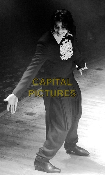 MICHAEL JACKSON.Equinox, London, 16th June 2002.www.capitalpictures.com.sales@capitalpictures.com.©Capital Pictures