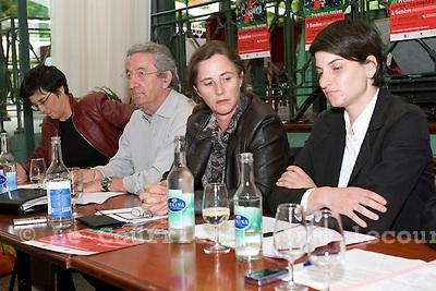 Genève, le 08.06.2009.Conférence de presse contre l'homophobie..De gauche à droite : Lorena Parini,  Jean-Philippe Rapp, Catherine Gaillard, Joelle Rochat..© Le Courrier / J.-P. Di Silvestro