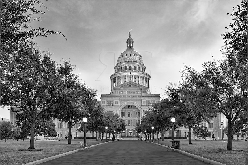 The Texas State Capitol is the 2nd tallest capitol in the US, second only to the US capitol in Washington DC.