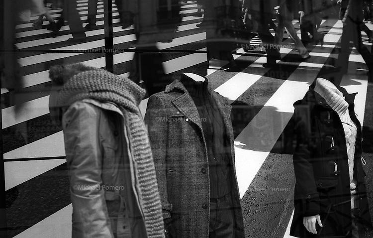 10.2010 Paris (&icirc;le de france)<br /> <br /> Vitrine d'un magasin. <br /> <br /> Showcase of a shop.