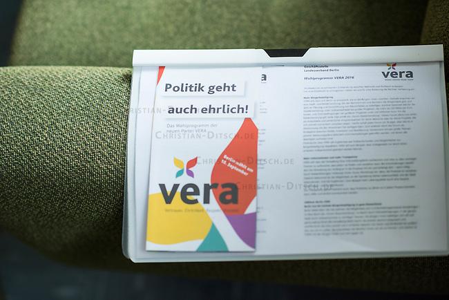 Vorstellung des Wahlkampfprogramm der Partei VERA zur Berliner Abgeordnetenhauswahl im September 2016 am Mittwoch den 25.Mai 2016.<br /> Grundsaetze der Partei sind die Werte Vertrauen, Ehrlichkeit, Respekt und Anstand. Sie will verlorenes Vertrauen in die Politik zurueckzugewinnen und viele Menschen ermutigen, sich politisch einzubringen. Sie setzt auf die Verantwortung jedes Einzelnen fuer sich selbst als auch auf die soziale Verantwortung jedes Einzelnen fuer die Gemeinschaft.<br /> 25.5.2016, Berlin<br /> Copyright: Christian-Ditsch.de<br /> [Inhaltsveraendernde Manipulation des Fotos nur nach ausdruecklicher Genehmigung des Fotografen. Vereinbarungen ueber Abtretung von Persoenlichkeitsrechten/Model Release der abgebildeten Person/Personen liegen nicht vor. NO MODEL RELEASE! Nur fuer Redaktionelle Zwecke. Don't publish without copyright Christian-Ditsch.de, Veroeffentlichung nur mit Fotografennennung, sowie gegen Honorar, MwSt. und Beleg. Konto: I N G - D i B a, IBAN DE58500105175400192269, BIC INGDDEFFXXX, Kontakt: post@christian-ditsch.de<br /> Bei der Bearbeitung der Dateiinformationen darf die Urheberkennzeichnung in den EXIF- und  IPTC-Daten nicht entfernt werden, diese sind in digitalen Medien nach §95c UrhG rechtlich geschuetzt. Der Urhebervermerk wird gemaess §13 UrhG verlangt.]