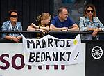 DEN BOSCH - Spandoek voor Maartje Paumen, die haar laatste wedstrijd speelt,    tijdens  de finale van de EuroHockey Club Cup, Den Bosch-UHC Hamburg (2-1).  COPYRIGHT KOEN SUYK