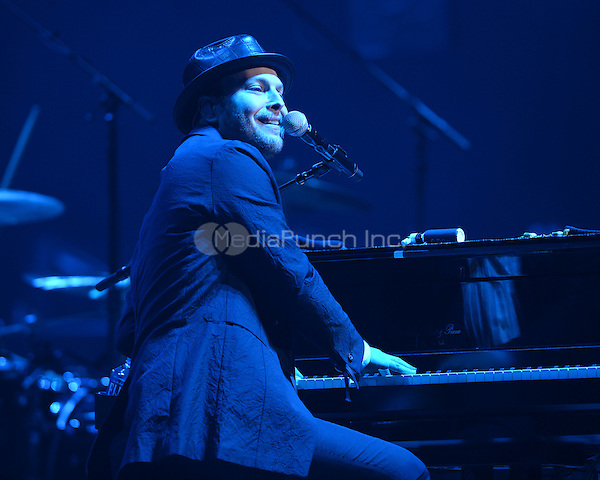 SUNRISE FL - DECEMBER 31: Gavin DeGraw Performs on New Years Eve at The BB&T Center on December 31, 2015 in Sunrise, Florida. Credit: mpi04/MediaPunch