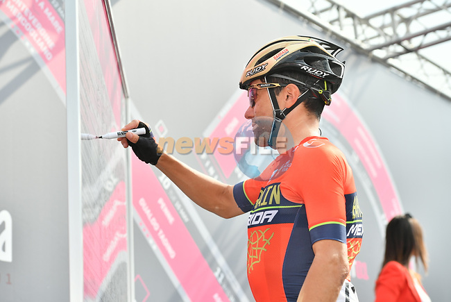 Domenico Pozzovivo (ITA) Bahrain-Merida at sign on before the start of Stage 20 of the 2018 Giro d'Italia, running 214km from Susa to Cervinia is the final mountain stage, with the last three climbs of Giro 101 deciding the GC of the Corsa Rosa, Italy. 26th May 2018.<br /> Picture: LaPresse/Massimo Paolone | Cyclefile<br /> <br /> <br /> All photos usage must carry mandatory copyright credit (© Cyclefile | LaPresse/Massimo Paolone)