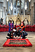 President Barack Obama, assisted by members of the U.S. military, lays a wreath at the Grave of the Unknown Warrior at Westminster Abbey in London, England, May 24, 2011..Mandatory Credit: Pete Souza - White House via CNP