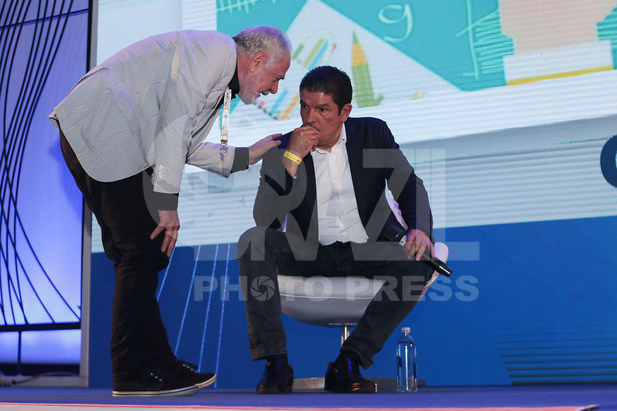 SAO PAULO, SP - 15.02.2019 - CAMPUS PARTY - O Fundador do Instituto Campus Party Francesco Farruggia junto com Vinicius Lages do Sebrae durante a Campus Party nesta sexta-feira (15) no Expo Center Norte na zona norte de Sao Paulo.<br /> <br /> (Foto: Fabricio Bomjardim / Brazil Photo Press / Folhapress)