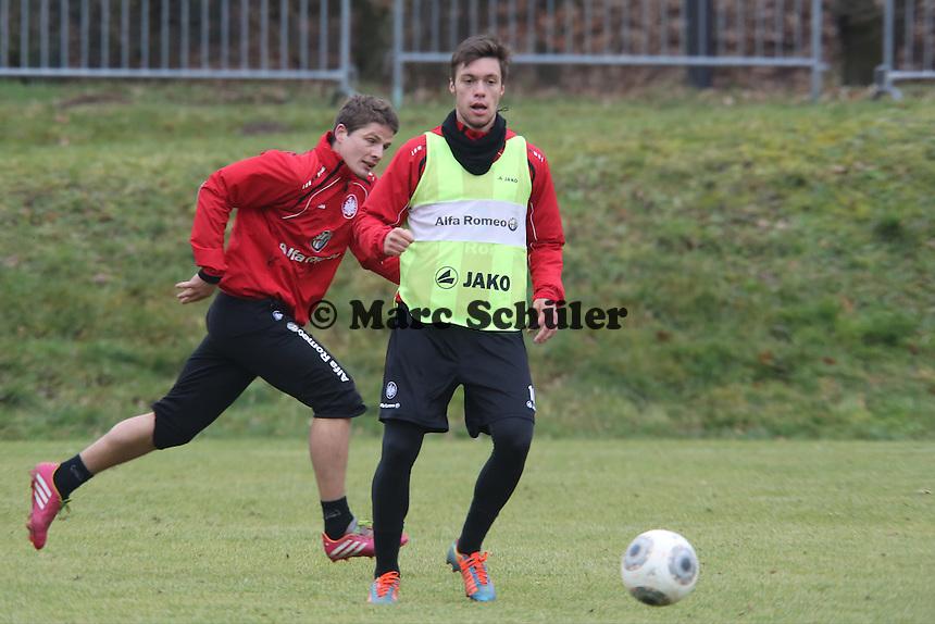 Vaclav Kadlec und Pirmin Schwegler (Eintracht)