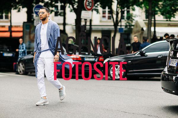 Street Style<br /> <br /> Paris Masculino- Ver&atilde;o 2017<br /> junho/2016<br /> <br /> foto: FOTOSITE