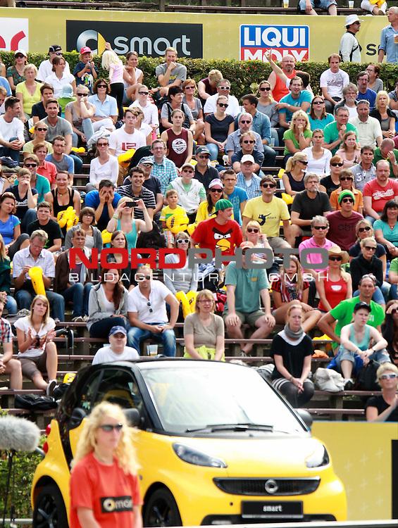 08.08.2013, Waldbuehne, Berlin, GER, Berlin, Beachvolleyball, FIVB World-Tour, Frauen, Women, im Bild Zuschauer<br /> <br />               <br /> Foto &copy; nph /  Schulz