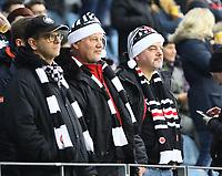 Eintracht Fans im weihnachtlichen Outfit - 16.12.2017: Eintracht Frankfurt vs. FC Schalke 04, Commerzbank Arena, 17. Spieltag Bundesliga