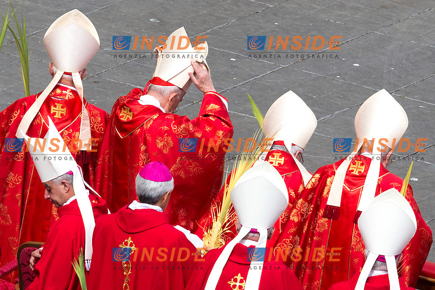 Cardinali<br /> Roma 20-03-2016 Vaticano Piazza San Pietro. Santa Messa per la domenica delle Palme. St Peter's Square. Holy Mass for Sunday of Palms.<br /> Photo Samantha Zucchi Insidefoto