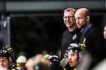Stockholm 2014-11-16 Ishockey Hockeyallsvenskan AIK - IF Bj&ouml;rkl&ouml;ven :  <br /> AIK:s tr&auml;nare huvudtr&auml;nare Peter Nordstr&ouml;m ser glad ut bredvid assisterande tr&auml;nare Michael Nylander under matchen mellan AIK och IF Bj&ouml;rkl&ouml;ven <br /> (Foto: Kenta J&ouml;nsson) Nyckelord:  AIK Gnaget Hockeyallsvenskan Allsvenskan Hovet Johanneshov Isstadion Bj&ouml;rkl&ouml;ven L&ouml;ven IFB tr&auml;nare manager coach portr&auml;tt portrait glad gl&auml;dje lycka leende ler le