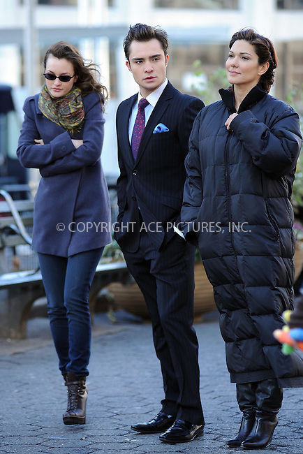 WWW.ACEPIXS.COM . . . . . ....December 1 2009, New York City....Actors Ed Westwick, Leighton Meester (L) and Laura Harring on the set of the TV show 'Gossip Girl' in Midtown Manhattan on December 1 2009 in New York City....Please byline: KRISTIN CALLAHAN - ACEPIXS.COM.. . . . . . ..Ace Pictures, Inc:  ..(212) 243-8787 or (646) 679 0430..e-mail: picturedesk@acepixs.com..web: http://www.acepixs.com