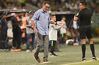 MEDELLIN - COLOMBIA, 01-02-2020: Juan Carlos Osorio técnico del Nacional gesticula durante partido por la fecha 3 de la Liga BetPlay DIMAYOR I 2020 entre Atlético Nacional y Jaguares de Córdoba jugado en el estadio Atanasio Girardot de la ciudad de Medellín. / Juan Carlos Osorio coach of Jaguares Nacional gestures during match for the date 3 as part of BetPlay DIMAYOR League I 2020 between Atletico Nacional and Jaguares de Cordoba played at Atanasio Girardot stadium in Medellín city. Photo: VizzorImage / Leon Monsalve / Cont