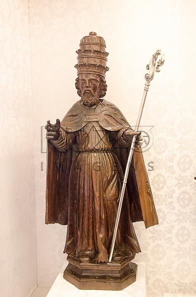 São Pedro, século XVIII, madeira e prata. Acervo do Museu de Arte Sacra de São Paulo, São Paulo - SP, 02/2013.