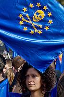 Roma 19 Ottobre 2013<br /> Manifestazione dei movimenti antagonisti, NO MUOS, No Tav, movimenti per la casa  contro il governo dell'austerit&agrave;.<br /> Rome October 19, 2013<br /> Manifestation of radical movements, NO MUOS, No Tav, movements for the house against the government austerity.