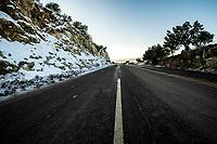 Highway or highway at sunset on a day with clear sky and blue sky. Winter in Cananea, Sonora, Mexico. Snow on the La Mariquita and Sierra Elenita mountains. 2020. (Photo by: GerardoLopez / NortePhoto.com)<br /> <br /> Carretera o autopista al atardecer en un dia con cielo despejado y cielo azul. Invierno en Cananea, Sonora, Mexico.  Nieve en la siera la Mariquita y sierra Elenita . 2020. (Photo by: GerardoLopez/NortePhoto.com )