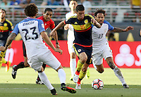 SANTA CLARA - UNITED STATES, 04-06-2016: Jermaine Jones (Der) jugador de Estados Unidos (USA) disputa el balón con James Rodriguez (Izq) jugador de Colombia (COL) durante partido del grupo A fecha 1 por la Copa América Centenario USA 2016 jugado en el Levi's Stadium en Santa Clara, California, USA. /  *13u<br />  (R) player of United States (USA) fights the ball with James Rodriguez (L) player of Colombia (COL) during match of the group A date 1 for the Copa América Centenario USA 2016 played at Levi's Stadium in Santa Clara, California, USA. Photo: VizzorImage/ Luis Alvarez /Str