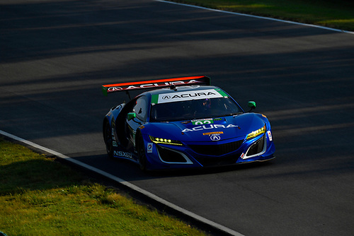 IMSA WeatherTech SportsCar Championship<br /> Michelin GT Challenge at VIR<br /> Virginia International Raceway, Alton, VA USA<br /> Saturday 27 August 2017<br /> 93, Acura, Acura NSX, GTD, Andy Lally, Katherine Legge<br /> World Copyright: Richard Dole<br /> LAT Images<br /> ref: Digital Image _RD27768