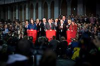 Die SPD-Generalsekret&auml;rin Andrea Nahles, der SPD-Bundesvorsitzende Sigmar Gabriel und die SPD-Schatzmeisterin Barbara Hendricks geben am Samstag (14.12.13) in Berlin das Ergebnis des SPD Mitgliederentscheids zur Gro&szlig;en Koalition mit der CDU/CSU bekannt. Die Mehrheit der SPD-Mitglieder sprach sich f&uuml;r eine Gro&szlig;e Koalition aus.<br /> Foto: Axel Schmidt/CommonLens<br /> <br /> Berlin, Germany, politics, Deutschland, 2013, Groko, Koalition, SPD, Mitglieder, Basis, Mitgliederentscheid, Entscheid, Mitgliedervotum, Votum, Ausz&auml;hlung