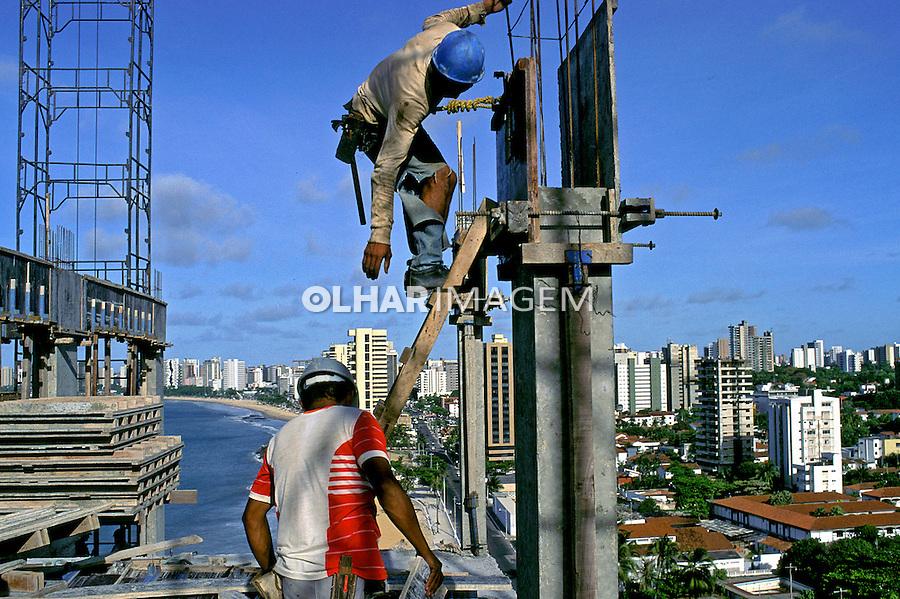 Trabalhadores da construção civil. Fortaleza. Ceará. 1998. Foto de Ricardo Azoury.