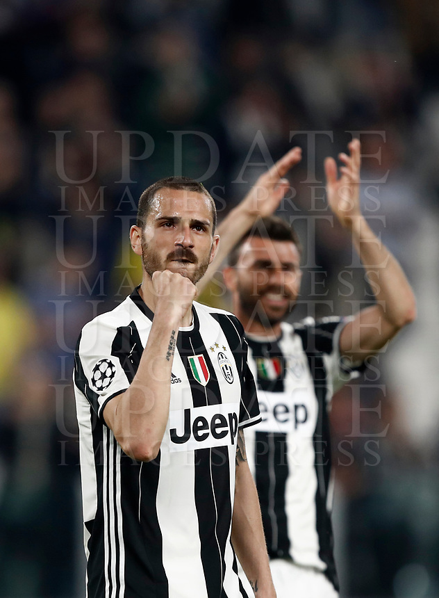 Football Soccer: UEFA Champions UEFA Champions League quarter final first leg Juventus-Barcellona, Juventus stadium, Turin, Italy, April 11, 2017. <br /> Juventus Leonardo Bonucci celebrates after winning the Uefa Champions League football match between Juventus and Barcelona at the Juventus stadium, on April 11 ,2017.<br /> UPDATE IMAGES PRESS/Isabella Bonotto