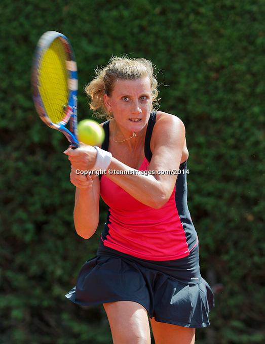 August 24, 2014, Netherlands, Amstelveen, De Kegel, National Veterans Championships, Linda Sentis (NED)<br /> Photo: Tennisimages/Henk Koster