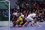 Fabio Bernhardt (Nr.15,TSV Mannheim) erzielt das 4:4 beim Spiel der Hockey Bundesliga Herren, TSV Mannheim - Mannheimer HC.<br /> <br /> Foto © PIX-Sportfotos *** Foto ist honorarpflichtig! *** Auf Anfrage in hoeherer Qualitaet/Aufloesung. Belegexemplar erbeten. Veroeffentlichung ausschliesslich fuer journalistisch-publizistische Zwecke. For editorial use only.
