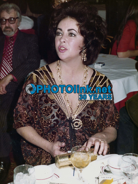 Elizabeth Taylor 1974<br /> Photo to By John Barrett-PHOTOlink