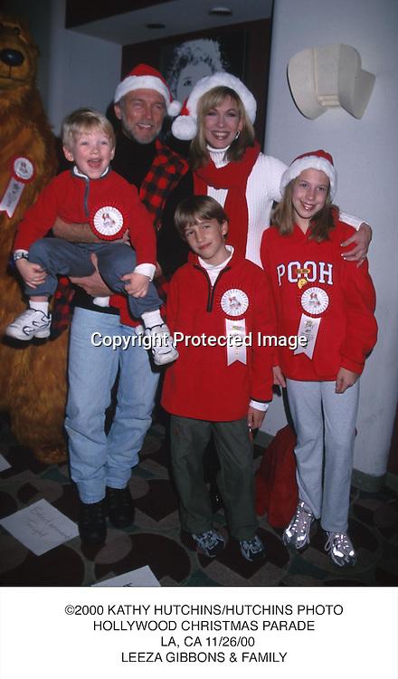 ©2000 KATHY HUTCHINS/HUTCHINS PHOTO.HOLLYWOOD CHRISTMAS PARADE.  LA, CA 11/26/00.LEEZA GIBBONS & FAMILY....