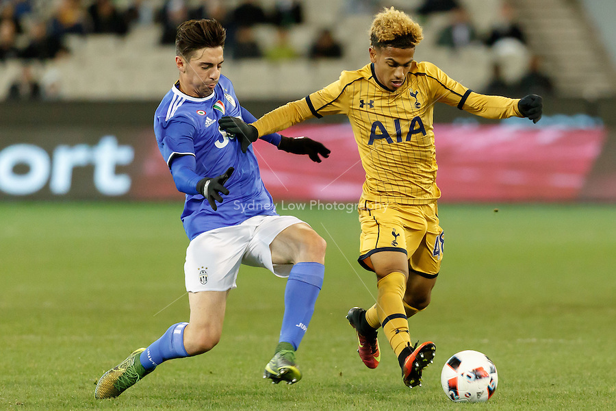 Melbourne, 26 July 2016 - JOSH ONOMAH (25) of Tottenham Hotspur runs with the ball in game two of the 2016 International Champions Cup match between Juventus FC and Tottenham Hotspur at Melbourne Cricket Ground on July 23, 2016 in Melbourne, Australia. Juventus beat Tottenham 2-1 Photo Sydney Low/AsteriskImages/Zumapress