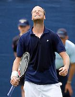 17-6-08, Rosmalen, Tennis,Ordina Open,      Martin Verkerk uit zijn frustratie in de dubbel