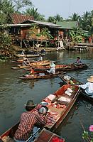 Thaïlande/Bangkok: Marché flottant de Tha Kha aux environs de Bangkok - barque de marchand