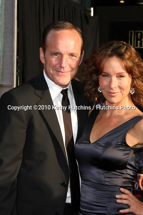 "Clark Gregg & Jennifer Grey.arrives at  the ""Iron Man 2"" Premiere.El Capitan Theater.Los Angeles, CA.April 26, 2010.©2010 Kathy Hutchins / Hutchins Photo..."