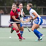 UTRECHT - Laurien Leurink (Laren)  met Maria Lopez Garcia (Kampong)  tijdens de hockey hoofdklasse competitiewedstrijd dames:  Kampong-Laren . COPYRIGHT KOEN SUYK