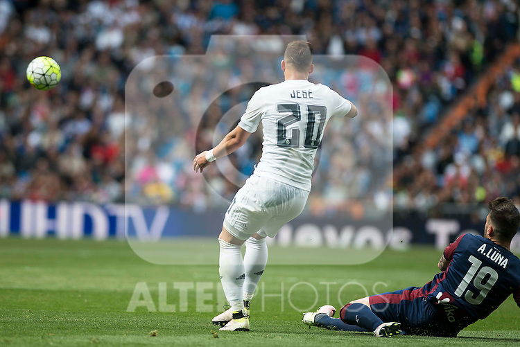 Real Madrid's Jese Rodriguez and Sociedad Deportiva Eibar's Antonio Luna during La Liga match. April 09, 2016. (ALTERPHOTOS/Borja B.Hojas)