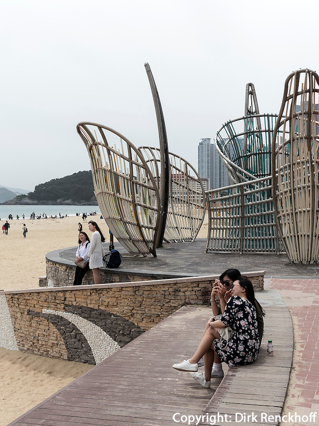 Strand von Haeunda, Busan, Gyeongsangnam-do, S&uuml;dkorea, Asien<br /> Beach at Haeunda, Busan,  province Gyeongsangnam-do, South Korea, Asia
