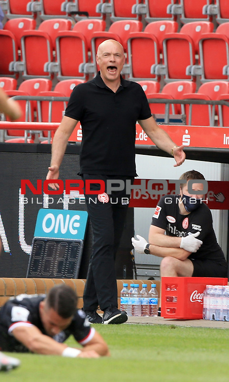 27.06.2020, Stadion an der Wuhlheide, Berlin, GER, DFL, 1.FBL, 1.FC UNION BERLIN  VS. Fortuna Duesseldorf , <br /> DFL  regulations prohibit any use of photographs as image sequences and/or quasi-video<br /> im Bild Cheftrainer Uwe Roesler (Fortuna Duesseldorf),<br /> <br />      <br /> Foto © nordphoto / Engler