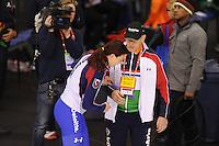 SPEEDSKATING: CALGARY: 14-11-2015, Olympic Oval, ISU World Cup, Ladies 1000m, Heather Richardson (USA), world record: 1.12,51, Jillert Anema (trainer/coach), ©foto Martin de Jong