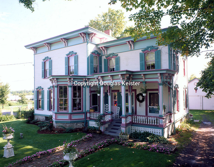 The White House Berries Inn Restaurant and B&amp;B at Route 20<br />Bridgewater, NY