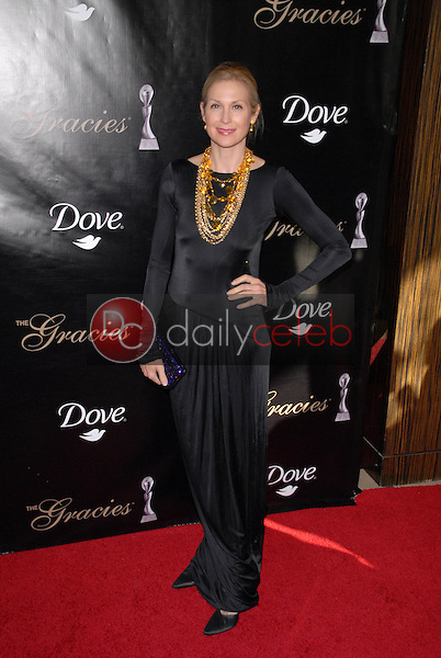 Kelly Rutherford<br /> at the 35th Annual Gracie Awards Gala, Beverly Hilton, Beverly Hills, CA. 05-25-10<br /> David Edwards/DailyCeleb.Com 818-249-4998