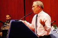 El alcalde de Nueva York, Michael Bloomberg, anunció este jueves, 26 de enero,  que el año pasado se batió un nuevo récord de producciones audiovisuales rodadas en la ciudad, con un total de 23 series, 188 películas y 140 espacios televisivos, que aportaron a la economía neoyorquina 5.000 millones de dólares.