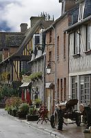 Europe/France/Normandie/Basse-Normandie/14/Calvados/ Pays d'Auge/Beuvron-en-Auge: les maisons à colombage du village