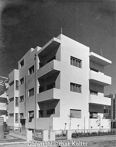 Bauhaus apartment building, Tel Aviv. Rosenfeld Building, Israel Street, 1934.